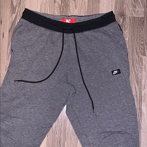nike joggers with drawstring
